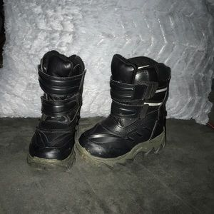 7M toddler snow boots